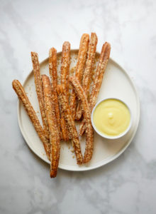 Banana Pudding Churros // magicaltreatsathome.com