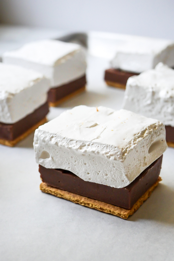 Mickey S'more Square // magicaltreatsathome.com