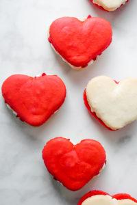 Heart Macarons for Valentine's Day // magicaltreatsathome.com