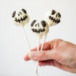 Jack Skellington Cake Pops // magicaltreatsathome.com